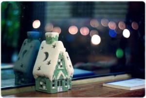 Christmas_Little Lighted House
